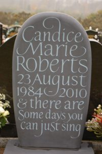gallerybespoke-slate-headstone-pebble